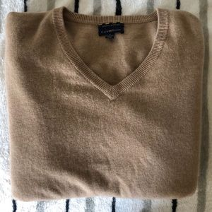 Club Room Men's Estate Cashmere tan vneck sweater